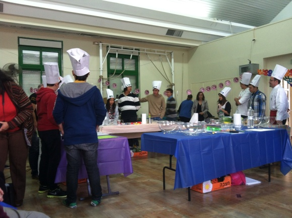 Master Chefs and kids preparing for competition!