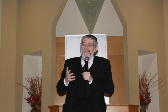 Rabbi Michael Melchior addresses the gathering.