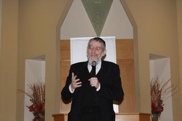 Rabbi Michael Melchior addresses the gathering.